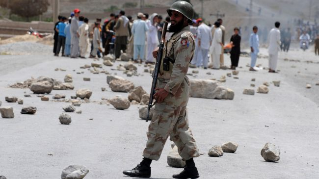 Pakistani police arrest three militants over Shia killings