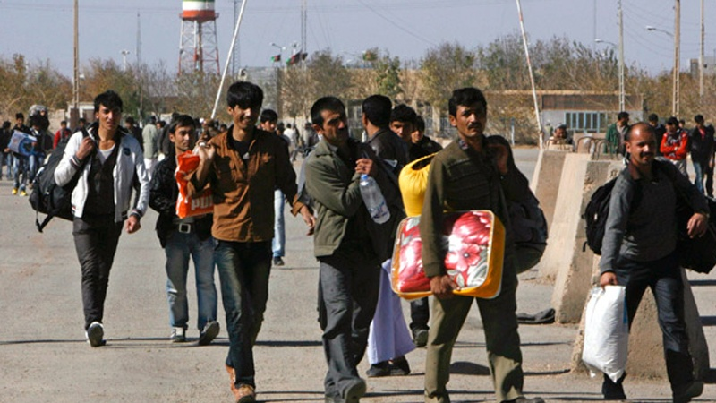 Afghans Returning Home From Iran in Hordes