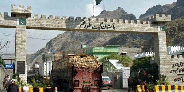 Afghanistan, Pakistan Transit Traders Ask for Revision Of Regulations At Borders