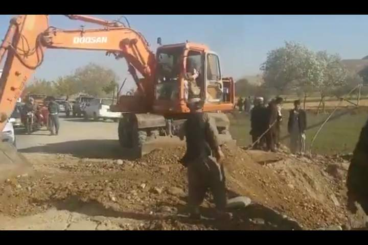 The Afghan Army is reconstructing the bridge which was destroyed by Taliban along the Kunduz-Takhar highway